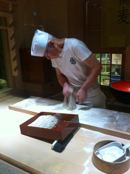 Mitsukoshi food court: old soba master finishing his hand-rolled, hand-cut soba noodles