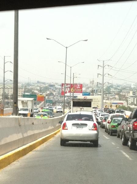 @TrackMty tráfico lento en el tunel, de sur a norte