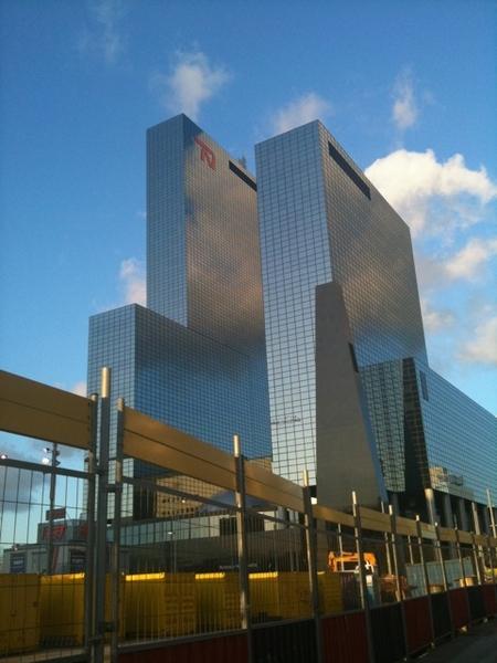 Verlaat het altijd mooie Rotterdam na erg leuke middag bij Vestia met @newmediabrains