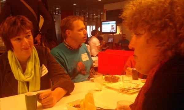 karin erwin & adrie bij #wordcampnl hoe leuk is het om ook irl mensen te ontmoeten!