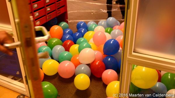 Vandaag #laatstelesdag @rodenborch #rosmalen met de #ballonnenbak om de personeelskamer in te komen