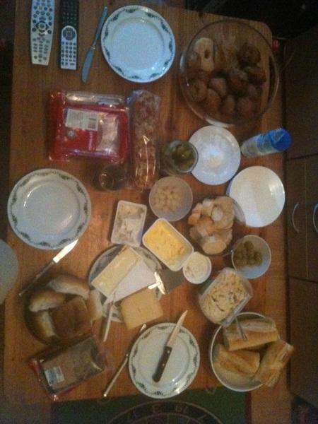 Zo, de 1ste ontbijt/lunch van het nieuwe jaar is een feit!!