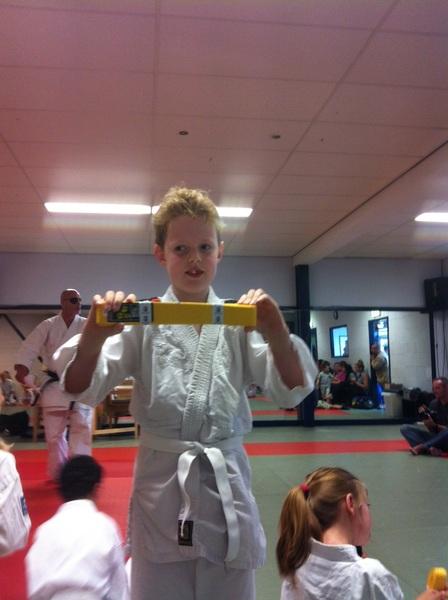 Hij is binnen! #geleband #karate