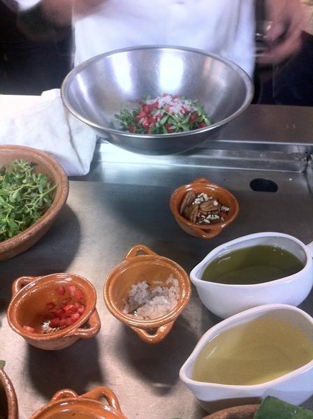 Puebla: @ El Mural de los Poblanos: 5th demo: tiny purslane salad w pecans,avoc,tom,avoc drsng,flor de Atlixco chs