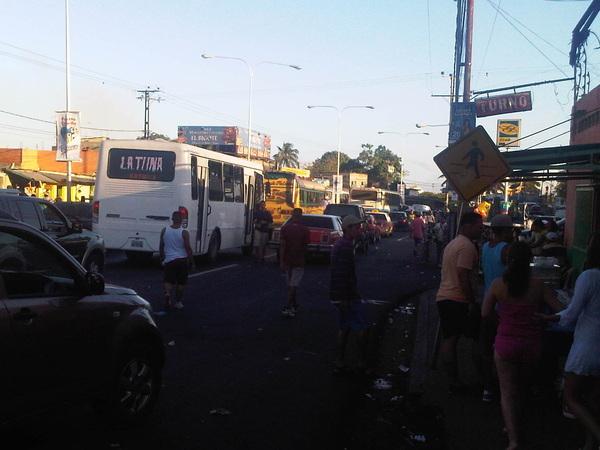D trafficvalencia Así esta el Palito... #Carabobo #puertoCabello #trafico