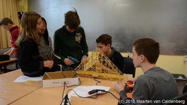 De #spaghettibruggen krijgen vorm #talenttraject #vwo @Rodenborch #rosmalen
