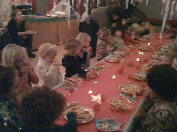 Kids x-mas diner at playschool
