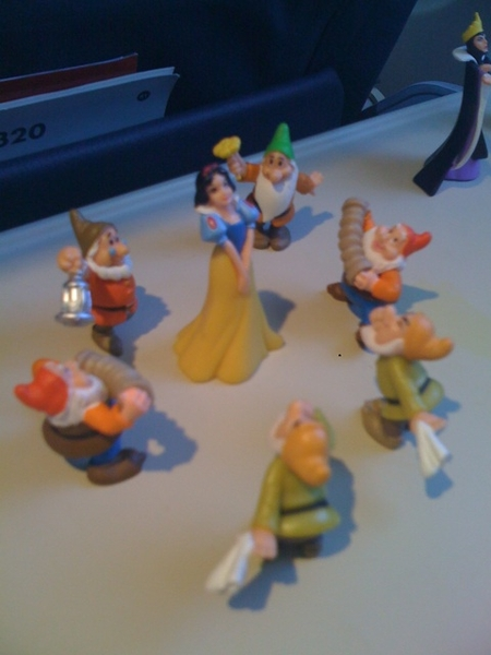 On our way to San Jose, playing with Snowwhite AH puppits