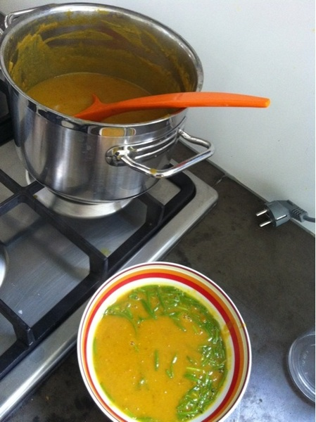 Had already 2 ltrs of homemade pumpkinsoup this weekend. Tomorrow spruitjestaart. Love the fall!