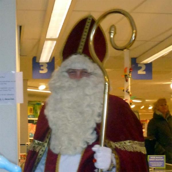 Hij kijkt erg ondeugend vind ik #Sinterklaas