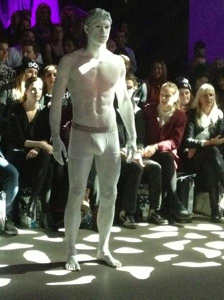Man in witte boxer ( ja klikken jullie nu wel ?) #Muchachomalo #afw