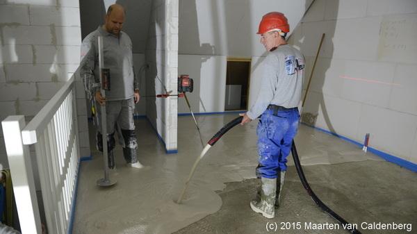 Vandaag krijgen de eerste woningen van @bouwenisbeleven #molenhoef #rosmalen de vloer gestort