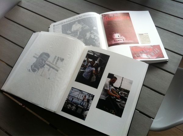 2 supermooie boeken van m'n DJ carrière gekregen met foto's, flyers en krantenknipsels. Thnx @Everdiendevries, pa en ma
