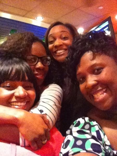 Me & my sisters!!!!!!!!  @MyNayNess @fandersong @OniTshA luv u girls