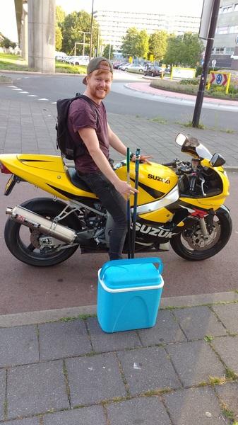 #20.36 vissen met per in de Bijlmer!!!
