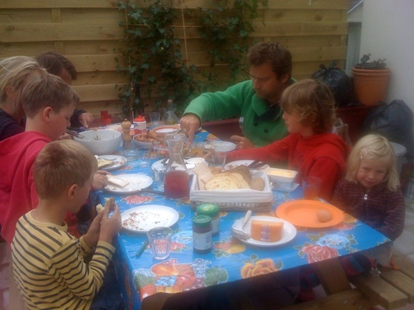 Enjoying our brand new terrace with a family lunch