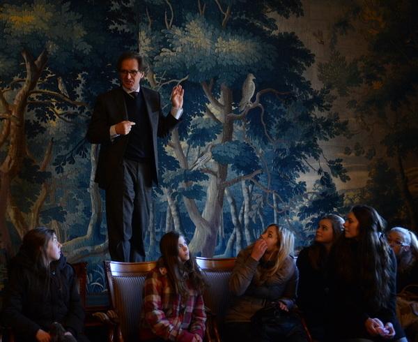 Burgemeester #rombouts @shertogenbosch gaf leerlingen @blazersrosmalen @Rodenborch en @EsbjergISchool uitleg