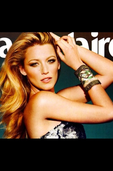 I used warm browns & bronze & a ton of mascara w a bit of a coral cheek for the new Blake Lively @MarieClaire cover.