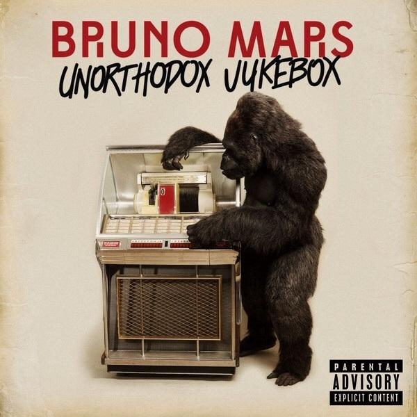 ♬ 'Money Make Her Smile' - Bruno Mars ♪ de meeste mensen naar het schijnt.