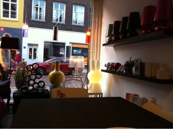 Nieuwe winkel van @MisterDesign in #denbosch krijgt vorm!