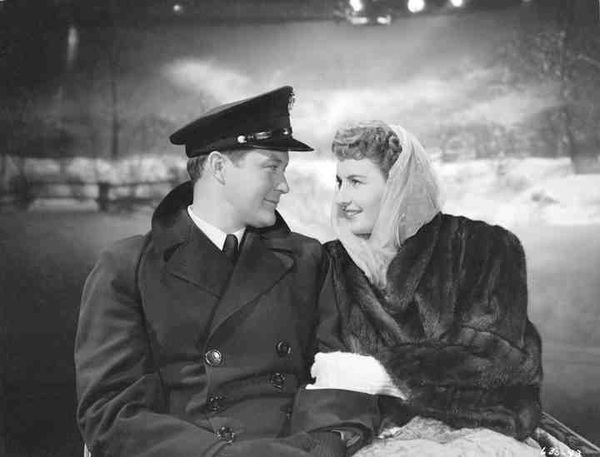 Just watched Christmas in Connecticut, a 1945 Film with Barbara Stanwyck. Priceless #classic #movies
