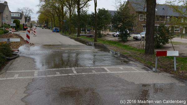 Door #graafwerkzaamheden aan de #sportlaan in #rosmalen zit een deel van @wijkmolenhoek zonder water