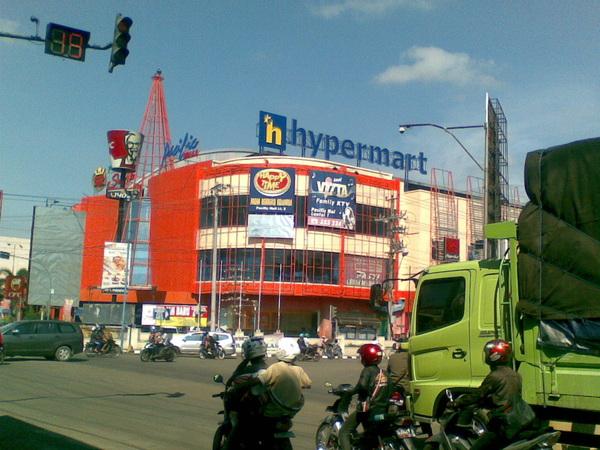 @infotegal logo HYPERMART sudah berdiri gagah di pacific mall