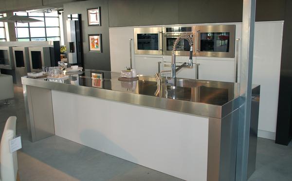 Showkeuken met M-system fornuis Te Koop; met Boretti inbouwapparatuur!