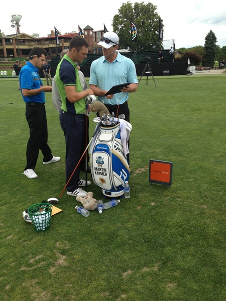 Martin trying out the new  @TaylorMadeTour SLDR and getting feedback from trackman...