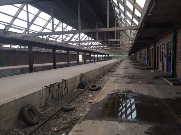 Vanmiddag foto's gemaakt in een oud verlaten treinstation. Heel bijzonder, later meer!