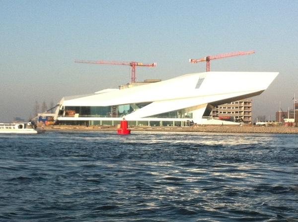 Wow, blijf het echt een fantastisch gebouw vinden dat nieuwe  #filmmuseum aan het ei