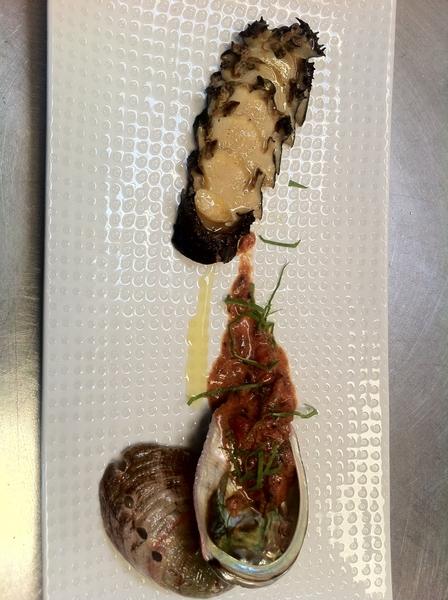 @Benitoysolange Benito's FRESH FRESH abalone w smoked tomatoes n crema.