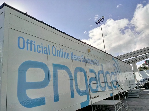 It's a beautiful day outside the @engadget double-wide :) #DNA #HDR #EngadgetCES