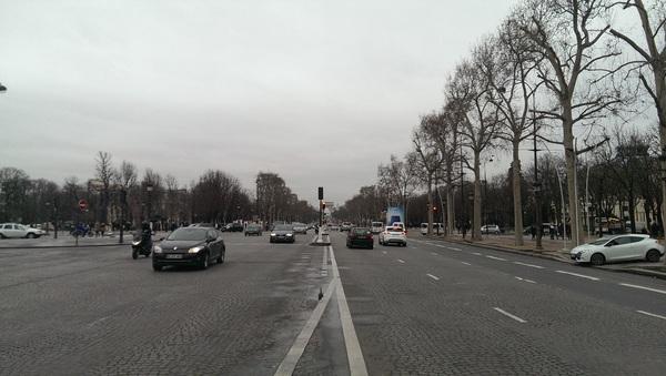 He, is dit niet de Champs-Élysées vroeg ik aan @wcatsman