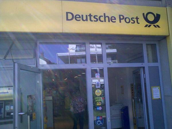 www.deutschepost.de/briefstatus Nummer: RR 5004 0289 5DE Es ist unterwegs, es lebe die Weltherrschaft!