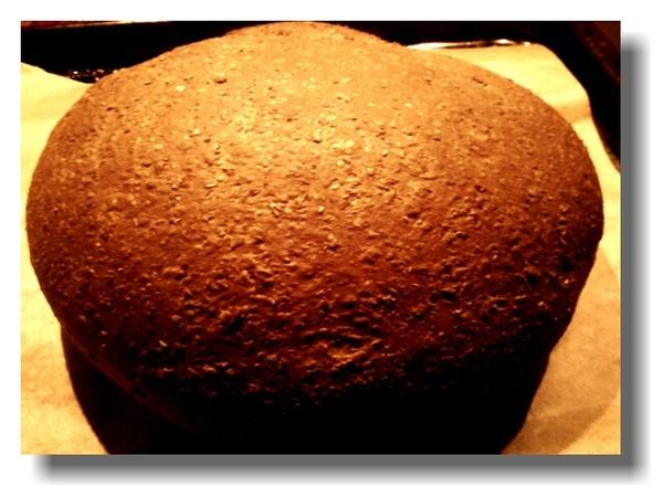 Geen broodbakmachine meer gekocht vandaag, maar het eerste verse brood uit eigen oven.