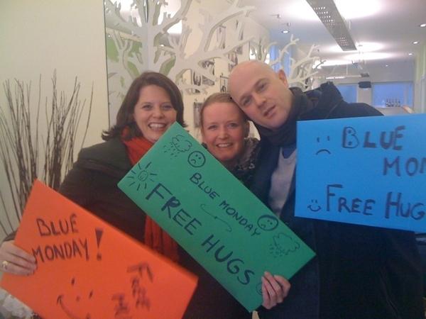 Cheering up Blue Monday w/ free hugs!
