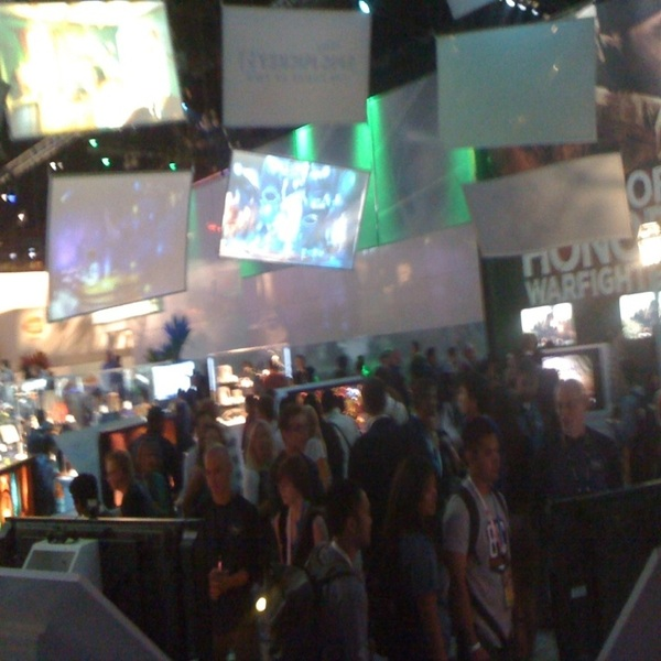 Busy gamers at #E3  @e3expo @seaburga