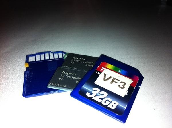 SD-kaartjes hebben ook niet het eeuwige leven... Gelukkig was de data nog wel in te laden :)