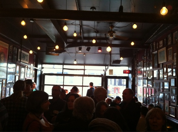 . @CastrosLounge is bursting today for the #casksocial -couple beers blown & no one wants to leave :) #OnCask #Toronto