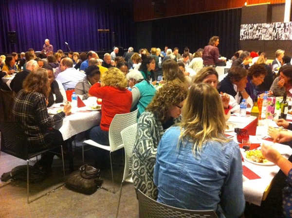 Leuk te zien dat ruim 120 bezoekers tot het einde van het Haags OnderwijsFilmFestival #HOFF @DiamantCollege  blijven