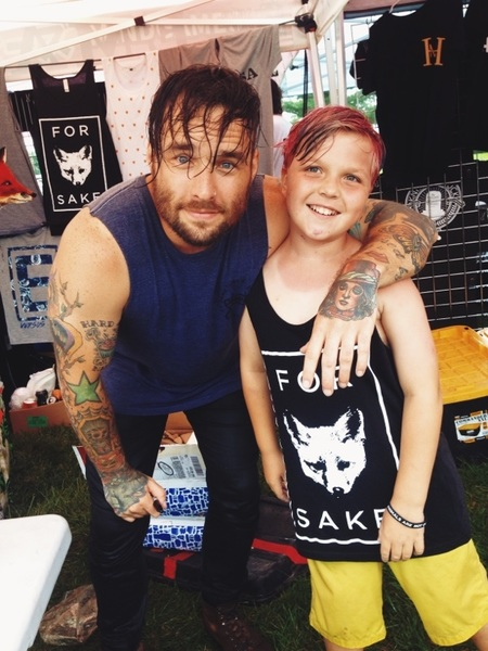 .@Emarosa That moment Bradley made my kid's day at last year's Warped Tour!