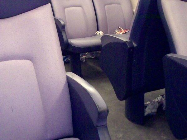 #ns had je trein #9434 niet kunnen opruimen voordat deze werd ingezet?
