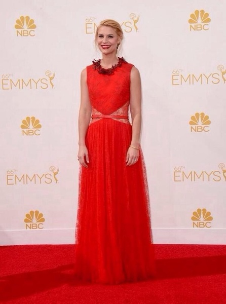 Claire Danes in Givenchy.  #ERedCarpet #Emmys2014 #Emmys