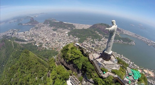 May the holidays be blessed and the #Rio2014 World Cup be good to you. #peace #love #sportstechie