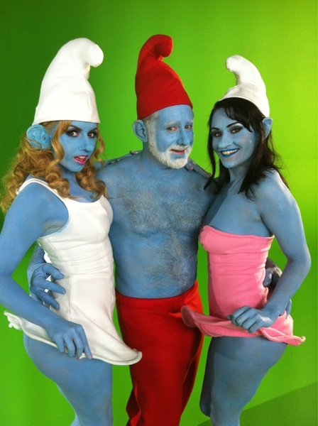 Smurfette, papa Smurf and Sassette