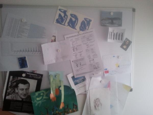 @tekstschrijvert tussen Mulisch en Matisse. Ik zag meer dan 200 kliks op mijn tweet. Krijg ik provisie ;-) #tekstposter