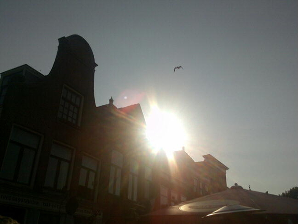 - Lkkr genieten vd zon, vrijdag verder kijken. gezellig aan de #Amstel... Weer vrij proberen te krijgen!
