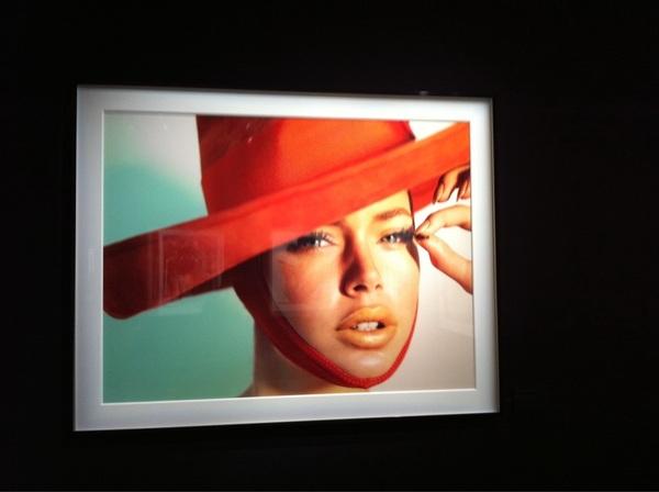 @Doutzen deze mooie foto van je hangt op een expositie van Mario testino in Rome #todoenada