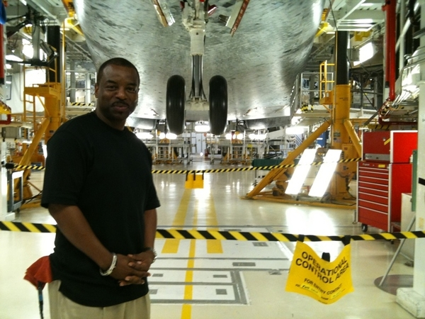 In the Orbiter Processing Facility, OPF. Overhead is the orbiiter Atlantis... #NASATwetup